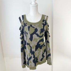 Forever 21 Camo Sweater w Cutouts Size Large {BS}